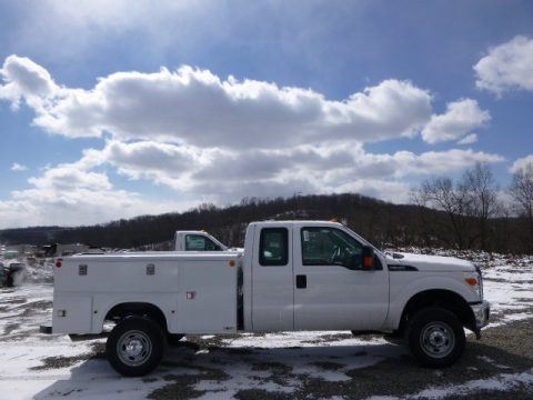 Oxford White 2014 Ford F350 Super Duty XL SuperCab 4x4 Utility Truck
