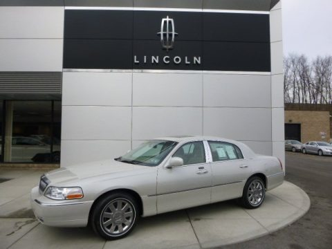 Cashmere Tri-Coat 2007 Lincoln Town Car Designer