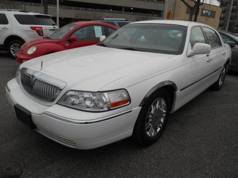 Vibrant White 2008 Lincoln Town Car Signature Limited