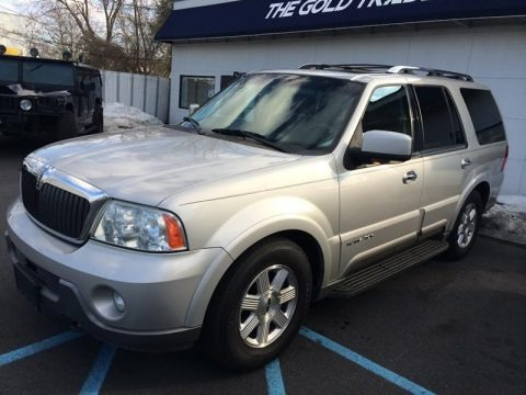 Silver Birch Metallic 2003 Lincoln Navigator Luxury 4x4