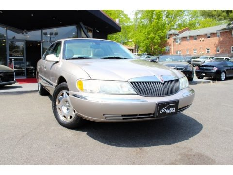 Light Parchment Gold Metallic 2002 Lincoln Continental