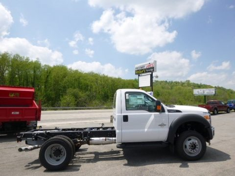 Oxford White 2015 Ford F550 Super Duty XL Regular Cab 4x4 Chassis
