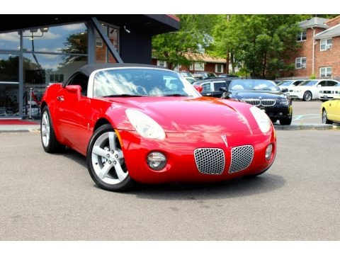 2007 Pontiac Solstice Roadster In Mean Yellow 137554