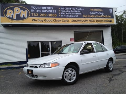 Oxford White 2001 Ford Escort SE Sedan