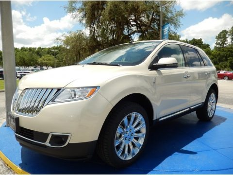 Platinum Dune Metallic Tri-Coat 2014 Lincoln MKX FWD