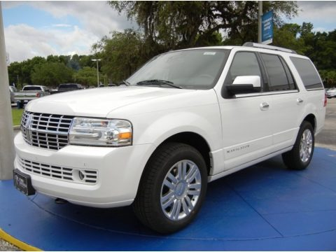 White Platinum 2014 Lincoln Navigator 4x2
