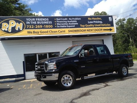 Black 2005 Ford F250 Super Duty XLT Crew Cab 4x4