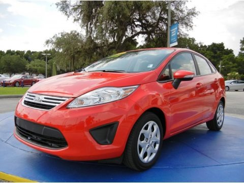 Race Red 2013 Ford Fiesta SE Sedan