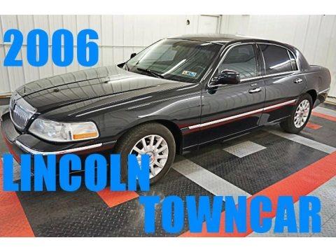 Black 2006 Lincoln Town Car Signature