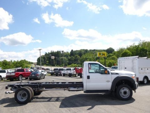 Oxford White 2015 Ford F450 Super Duty XL Regular Cab Chassis