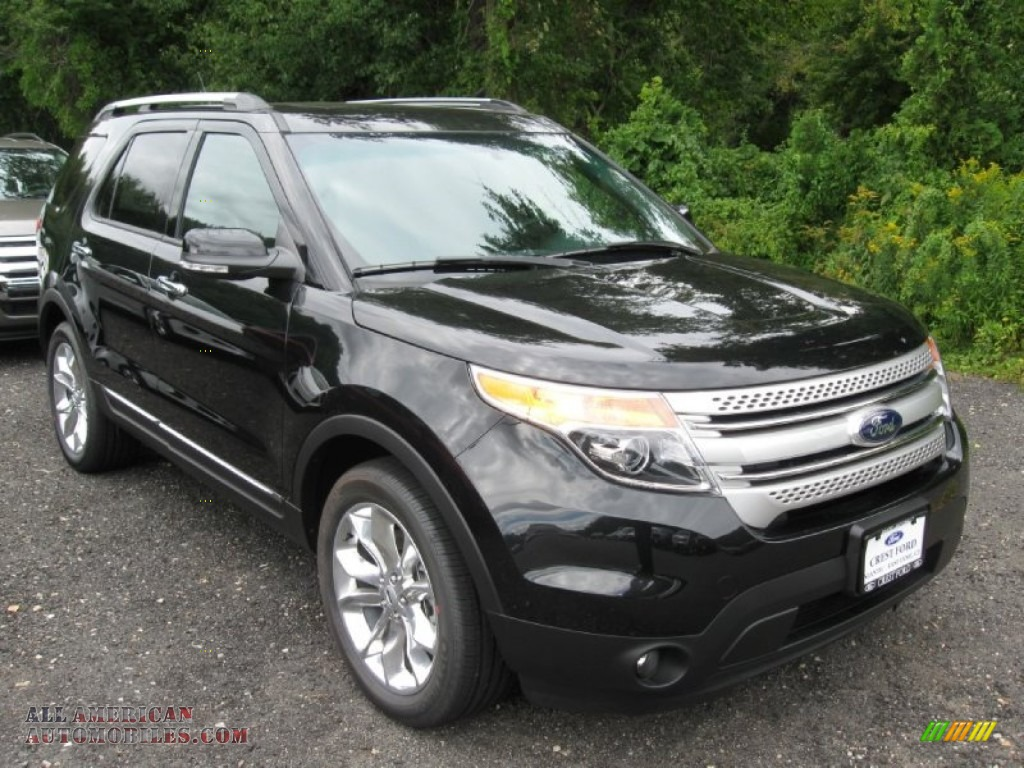 2015 explorer xlt 4wd tuxedo black charcoal black photo 1 - Ford Explorer Black 2015