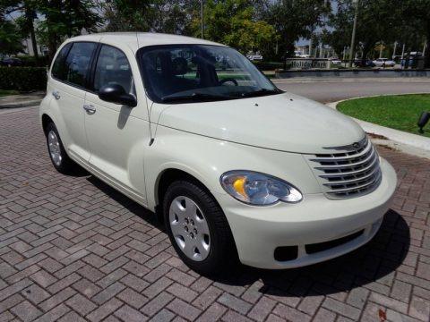 Cool Vanilla White 2007 Chrysler PT Cruiser