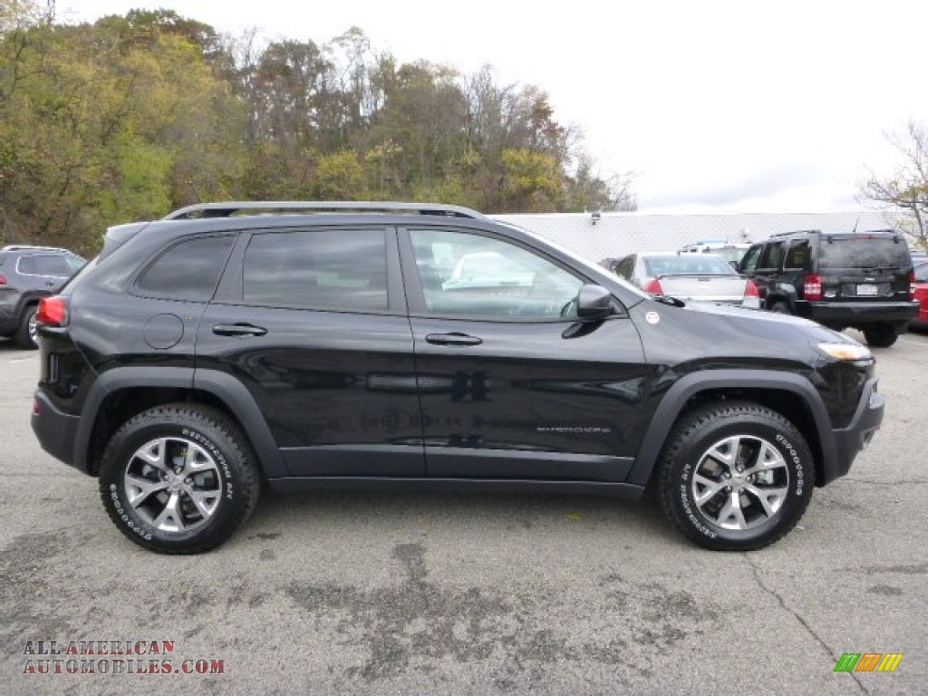 2015 jeep cherokee trailhawk 4x4 in brilliant black. Black Bedroom Furniture Sets. Home Design Ideas