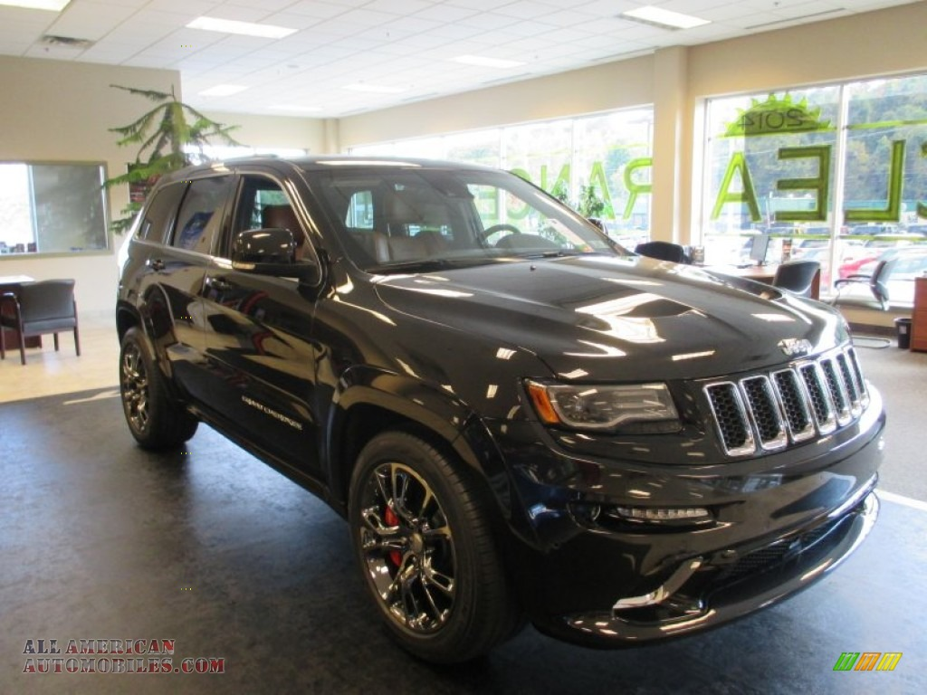 2015 jeep grand cherokee srt 4x4 in brilliant black. Black Bedroom Furniture Sets. Home Design Ideas